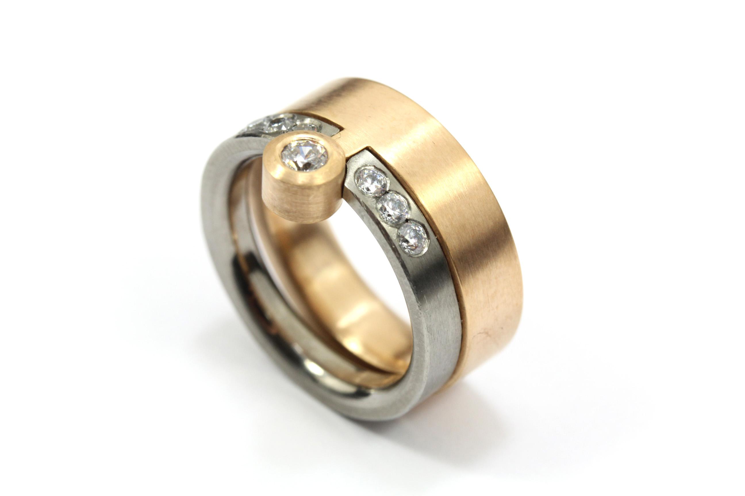 Vigselring i rött och vitt guld med diamanter - Erik Tidäng aff6faa7a1690