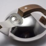 Duva - silverkanna med handtag av lönnfanér