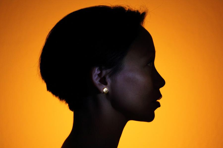 Örhänge tillverkat med solenergi