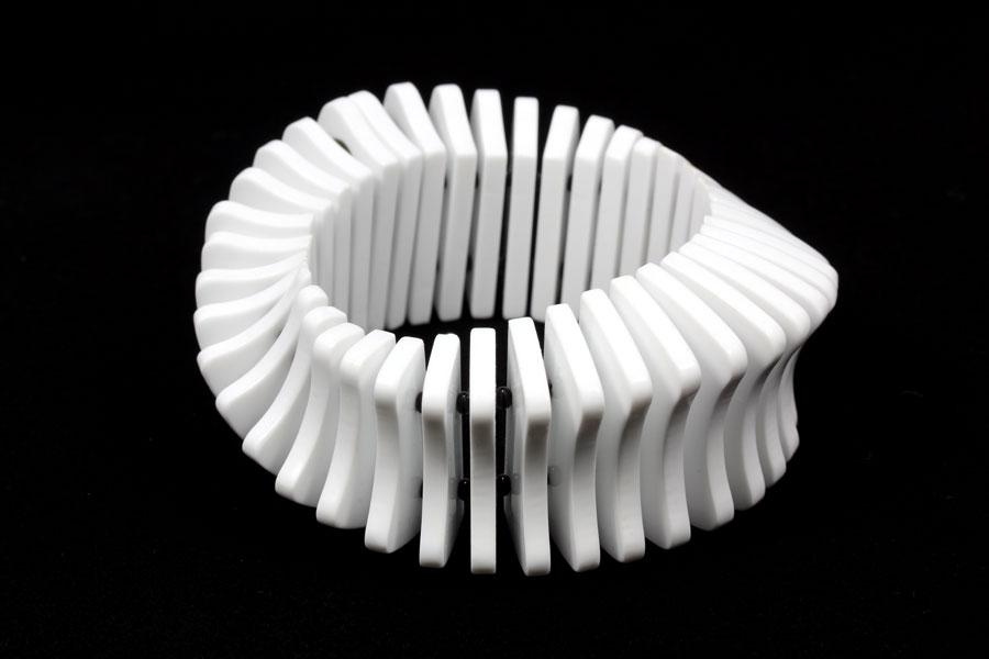 bracelet-acrylic-white-erik-tidang