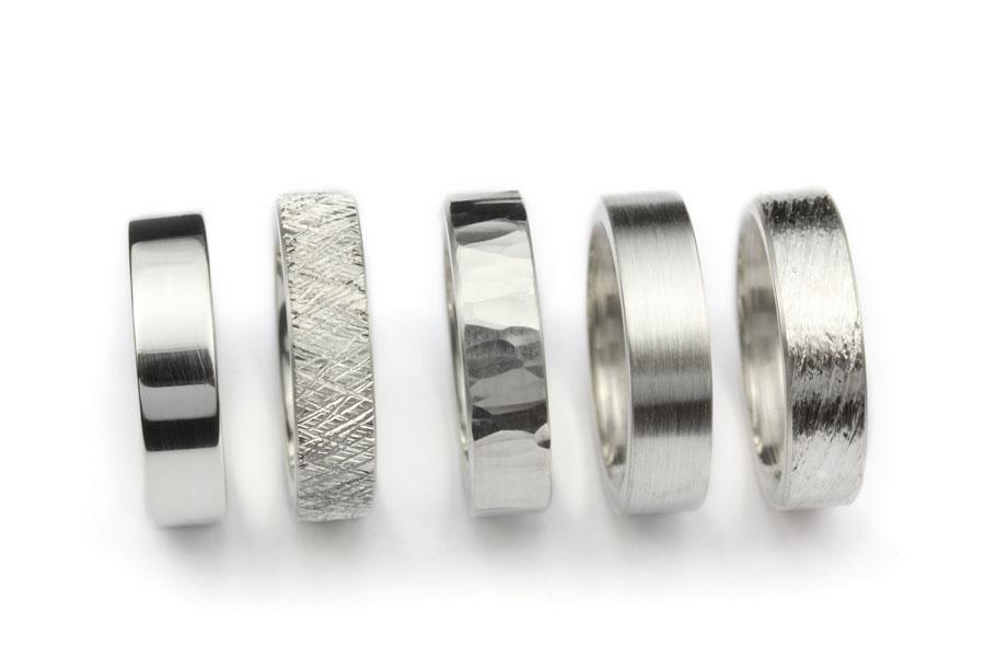 Silverringar med olika ytor - Erik Tidäng