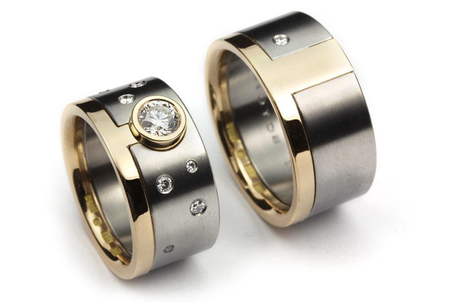 Vigsel och förlovningsringar av guld och titan - Erik Tidäng