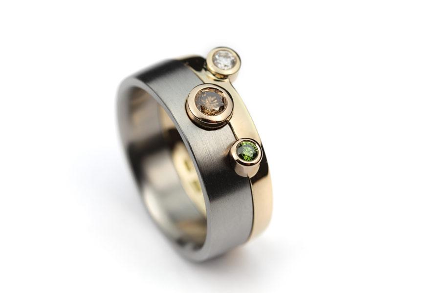 Kombinationsring med olikfärgade diamanter - Erik Tidäng